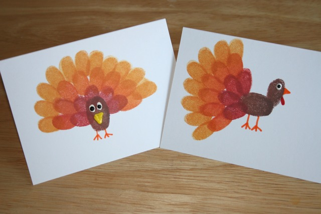 Thumbprint Turkey | The Charmed Mom. #thanksgiving #craft