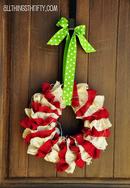 Burlap Christmas Wreath | Sew Dang Cute #christmas #wreath