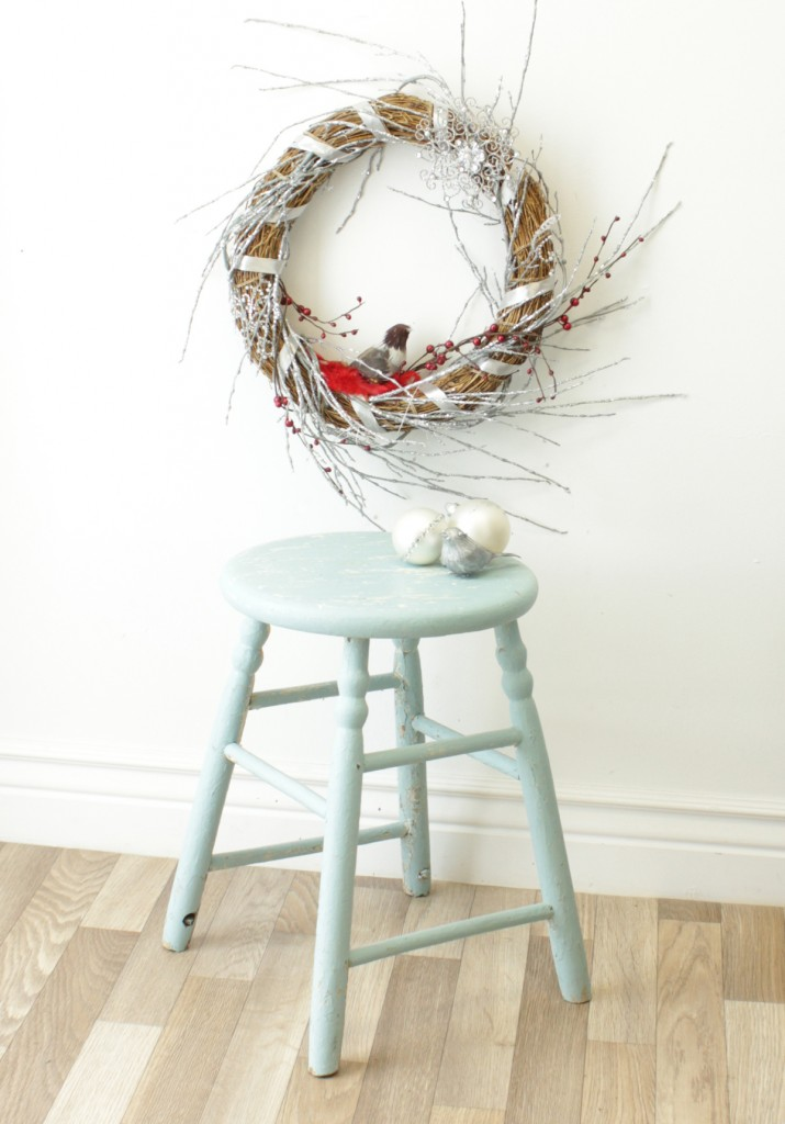 Birds & Berries Christmas Wreath | Home Trends #christmas #wreath
