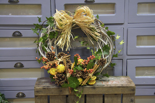 Rustic Christmas Berry Wreath | Florence Finds #christmas #wreath