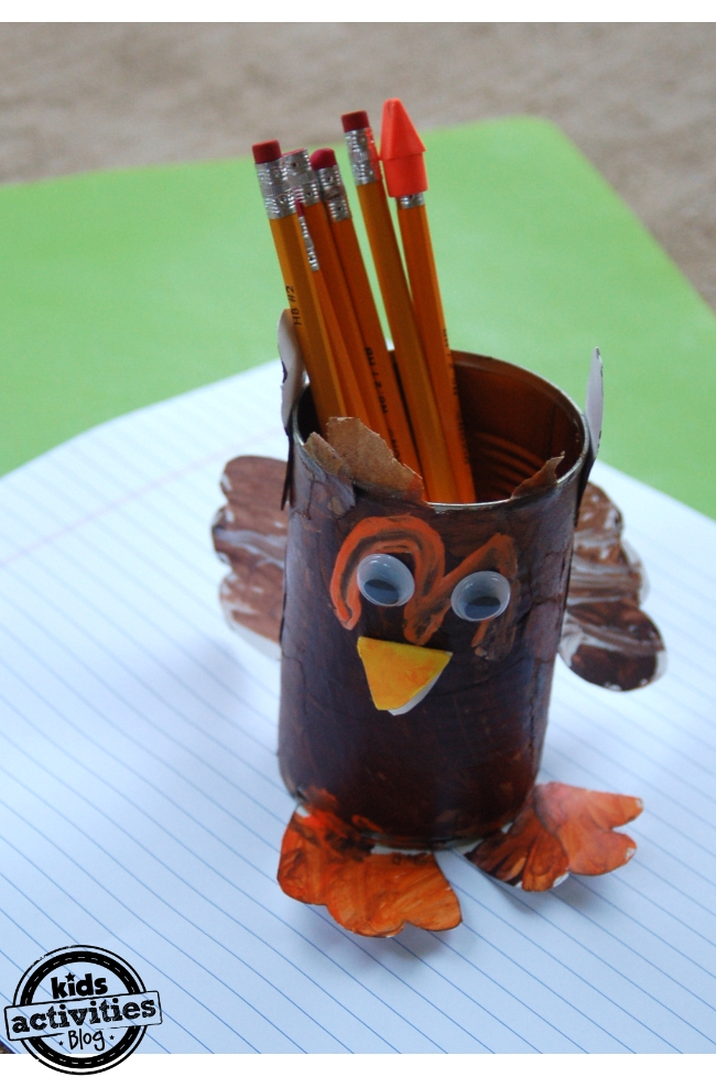 Thankful Turkey Can | Kids Activities Blog #thanksgiving #craft
