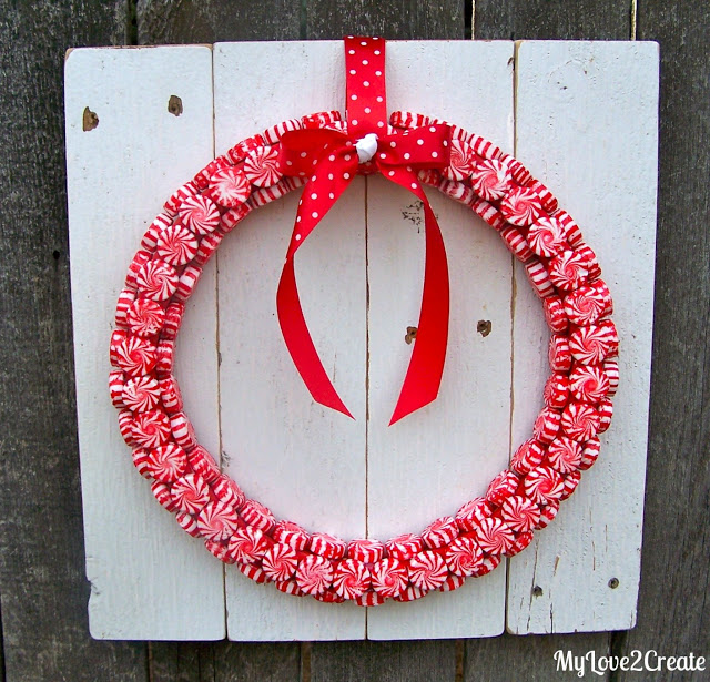 Peppermint Wreath | My Love 2 Create #christmas #wreath