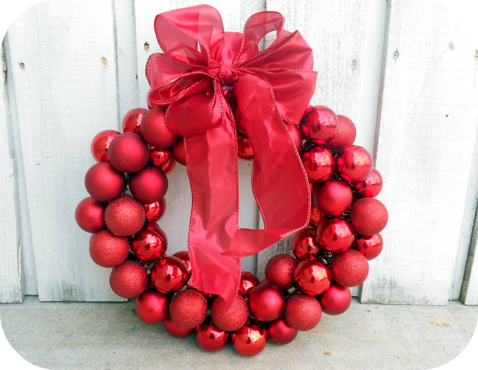 $6 Wire Hanger Christmas Wreath | Six Sisters' Stuff #christmas #wreath
