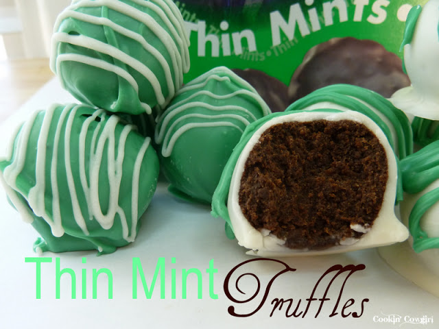 No Bake Thin Mint Truffles | Cookin' Cowgirl. Click for more holiday cookie ideas! #christmascookie #cookieexchange