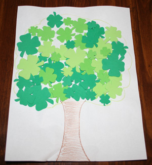 Shamrock Tree Craft. Click for 10 More Easy St. Patrick's Day Craft