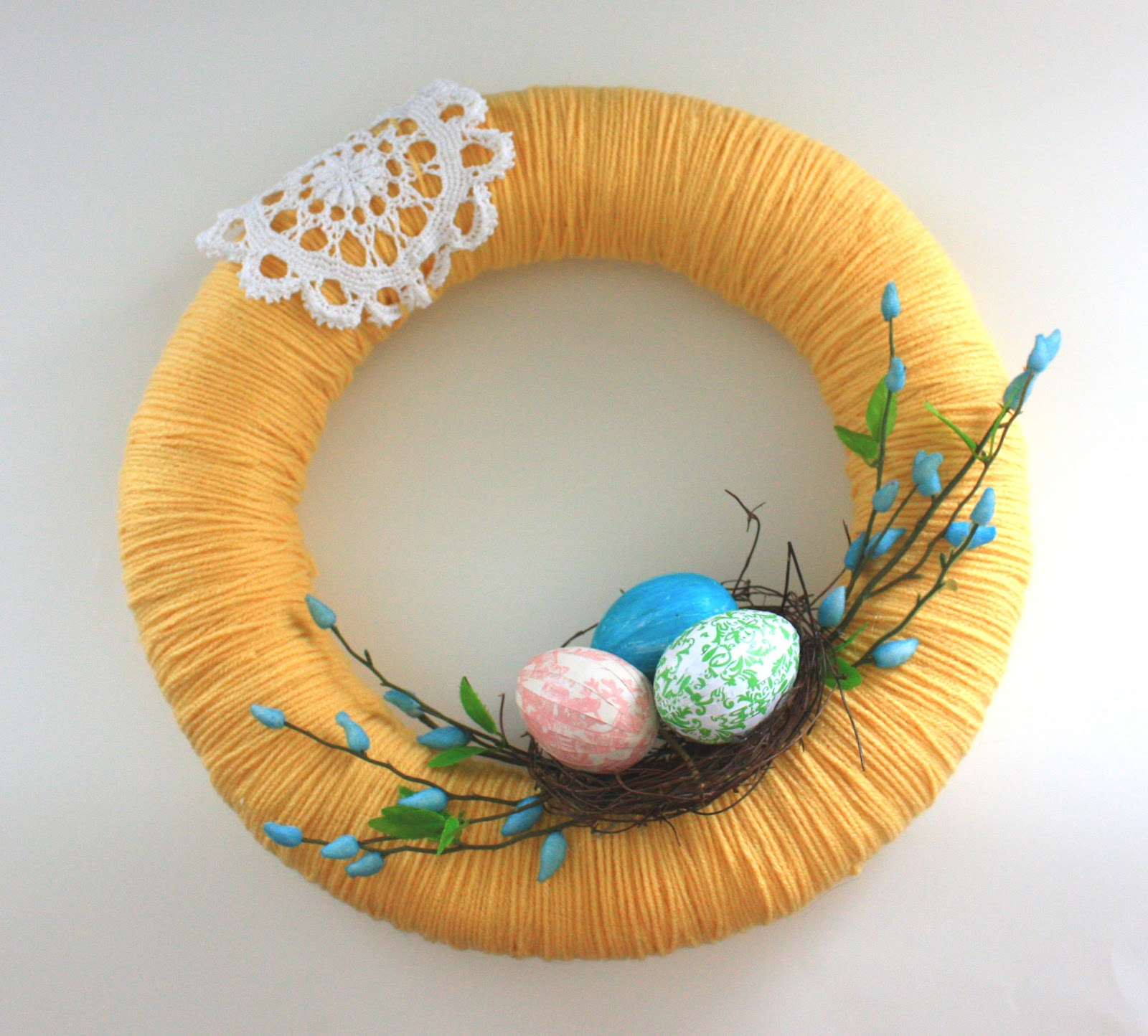 Sweet Easter Wreath. Click for 40 more #DIY #Wreath Ideas