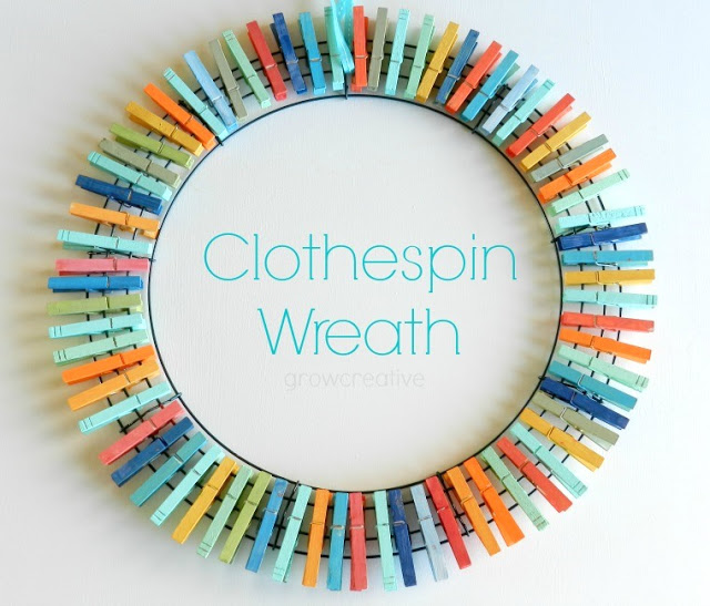 Clothespin Wreath. Click for 40 more #DIY #Wreath Ideas