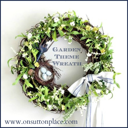 DIY Garden Theme Wreath. Click for 40 more #DIY #Wreath Ideas