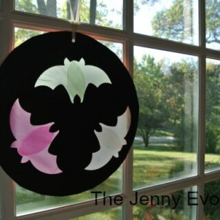 Flying Bats Window Silhouettes – Halloween Crafts for Kids