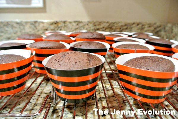 How to Host the Perfect Halloween Party For Young Kids Without Breaking the Bank | Mommy Evolution
