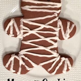 Mummy Cookies for Halloween | The Jenny Evolution