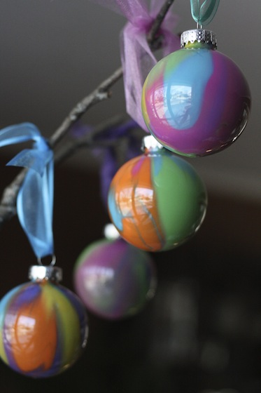 Pour Painted Christmas Ornaments | Happy Hooligans