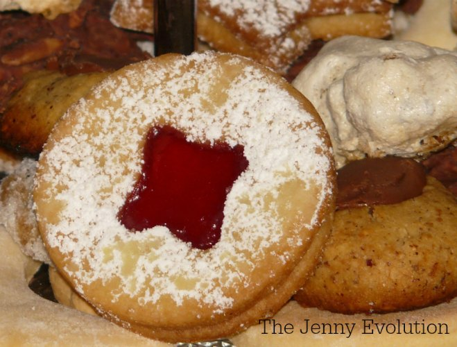 Sneak a Peek Jam Cookies | The Jenny Evolution