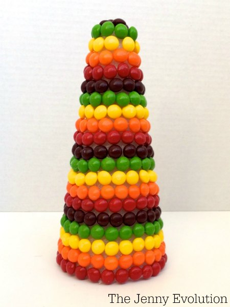 St. Patrick's Day Skittles Rainbow Decorations | Mommy Evolution
