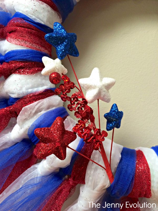 DIY Stars and Stripes Wreath - Perfect for 4th of July!