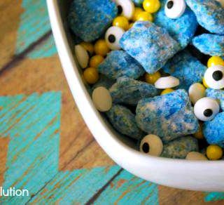 Minion Recipes! Muddy Buddies Chex Mix