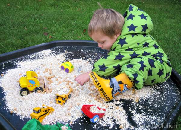 Oats and Chick Pea Sensory Bin (Food Sensory Ideas) | The Jenny Evolution
