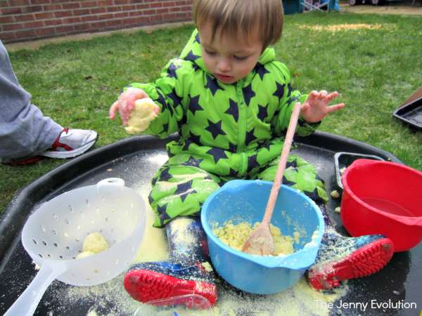 Potato Flakes Sensory Bin (Food Sensory Activities) | The Jenny Evolution