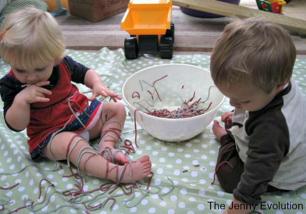 Rainbow Spaghetti Sensory Bin | The Jenny Evolution