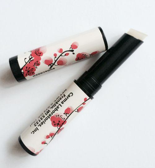 Blossom Carmex Moisture Plus