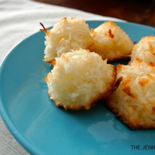 Coconut Macaroons - Awesome Christmas Cookies! from The Jenny Evolution
