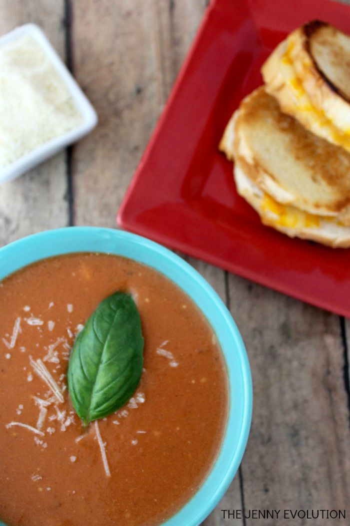 Slow Cooker Crockpot Tomato Soup Recipe | Mommy Evolution