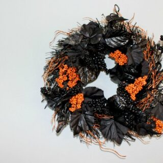 DIY Halloween Wreath For Under $10!