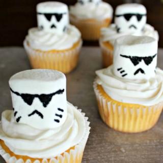 Storm Trooper Star Wars Cupcakes