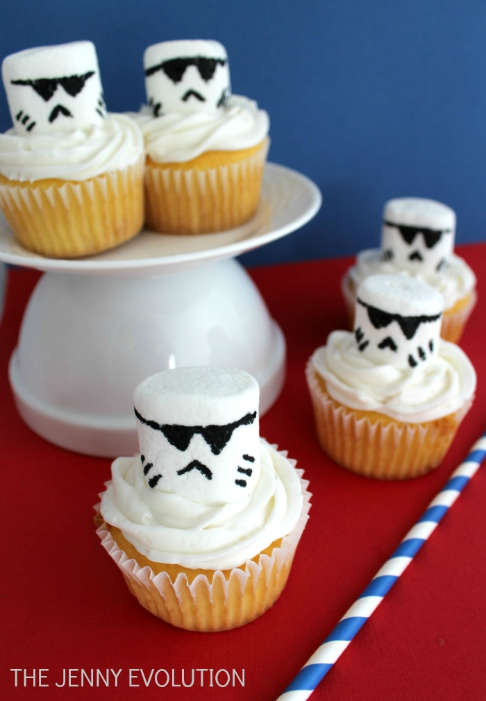 Storm Troopers Star Wars Cupcakes | The Jenny Evolution