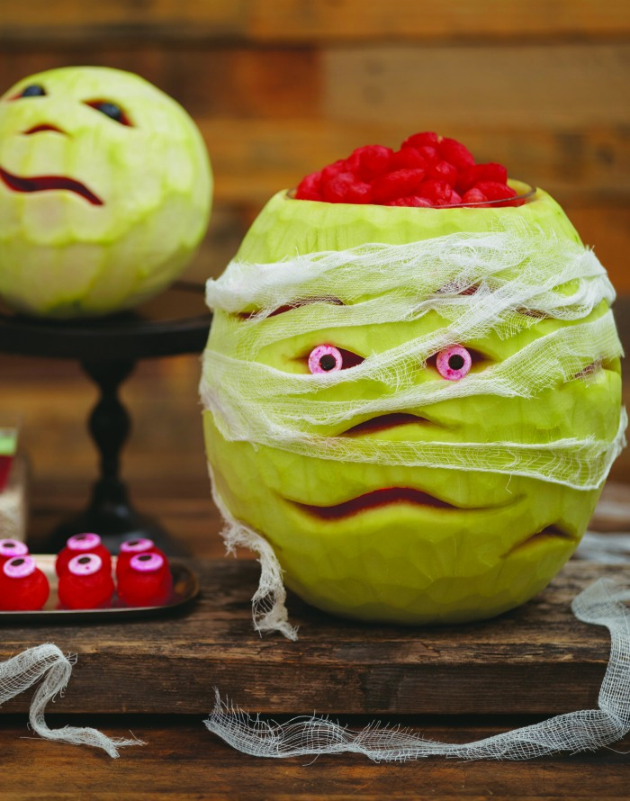 DIY Watermelon Mummy Halloween Party Decoration - The perfect party decor!