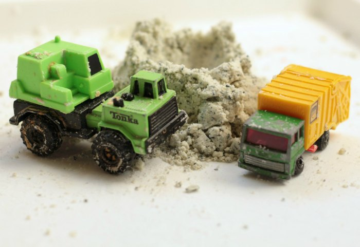play trucks with moon dough moon dust