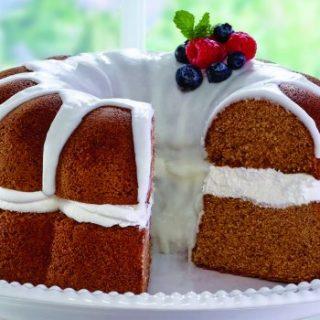 Berries and Cream Vanilla Pound Cake
