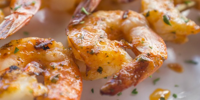 Grilled shrimp lemon garlic kabobs | The Jenny Evolution