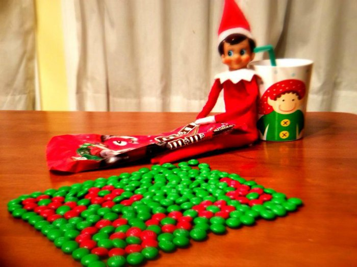 Elf on the shelf Writing messages in chocolate candies