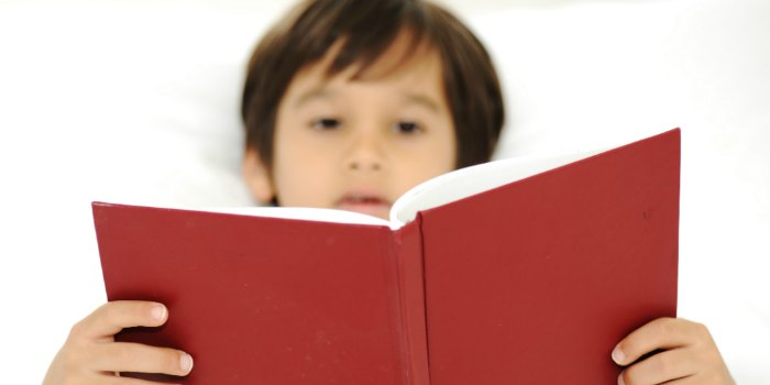 Even if it's summer, don't stop the habit of reading before bedtime.