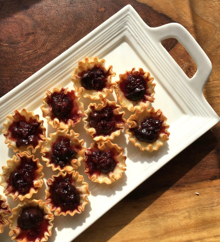 Brie and Cherry Phyllo Cup Recipe | Mommy Evolution