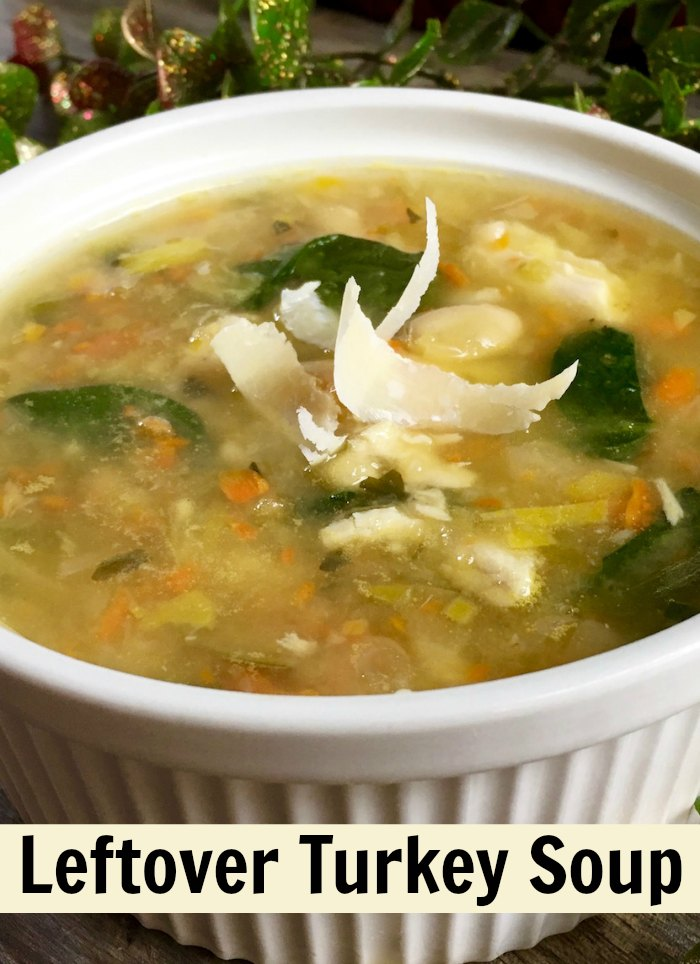 Spicy White Bean and Leftover Turkey Soup | Mommy Evolution #leftoverturkeysoup #leftoverturkeyrecipe