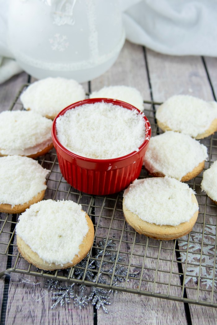 Snowball Cookie Recipe with Coconut | Mommy Evolution