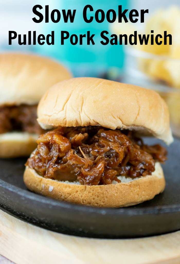 Your family is going to love having a slow cooker pulled pork sandwich for dinner | Mommy Evolution