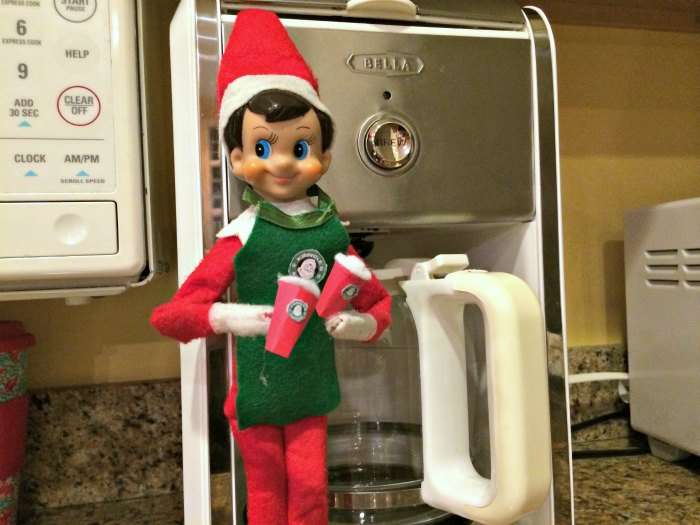 Starbucks Barista Elf on the Shelf - making the coffee | Mommy Evolution #elfontheshelfideas #elfontheshelf