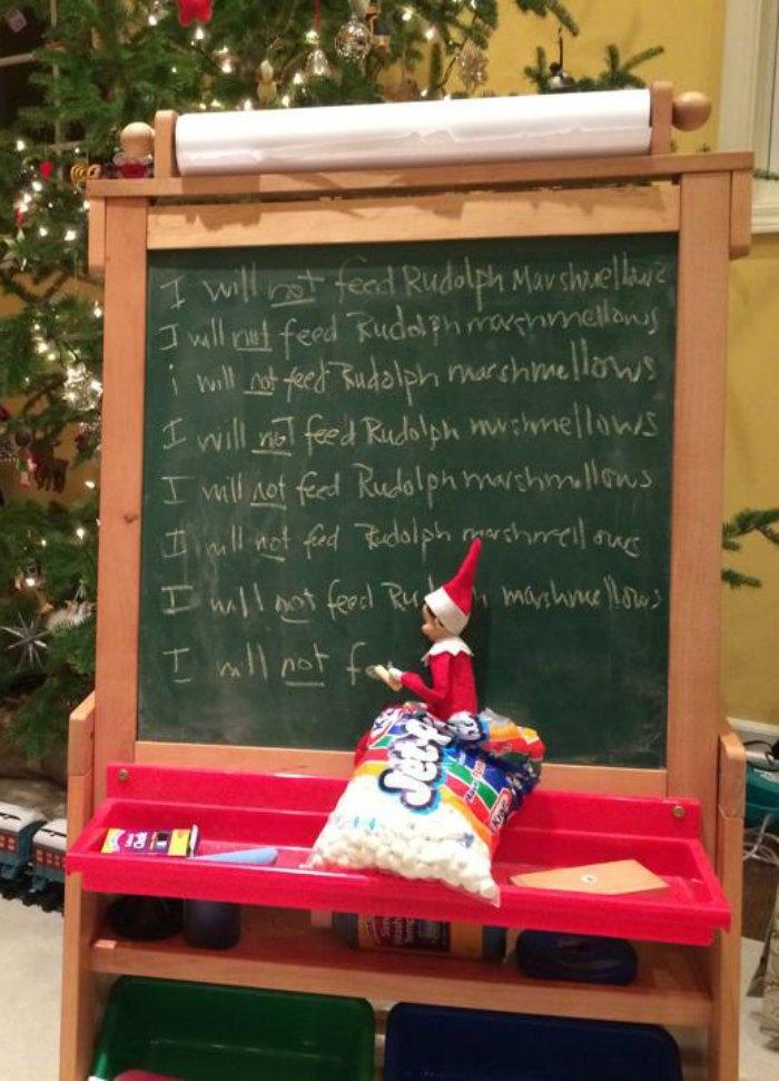 Silly Elf on the Shelf Writing on the Chalkboard | Mommy Evolution #elfontheshelfideas #elfontheshelf